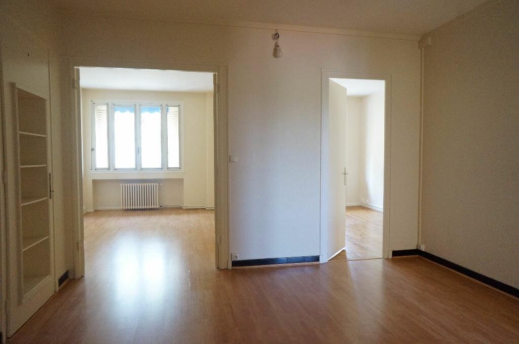 Achat Appartement 2 pièces à Lyon 7 - vignette-2
