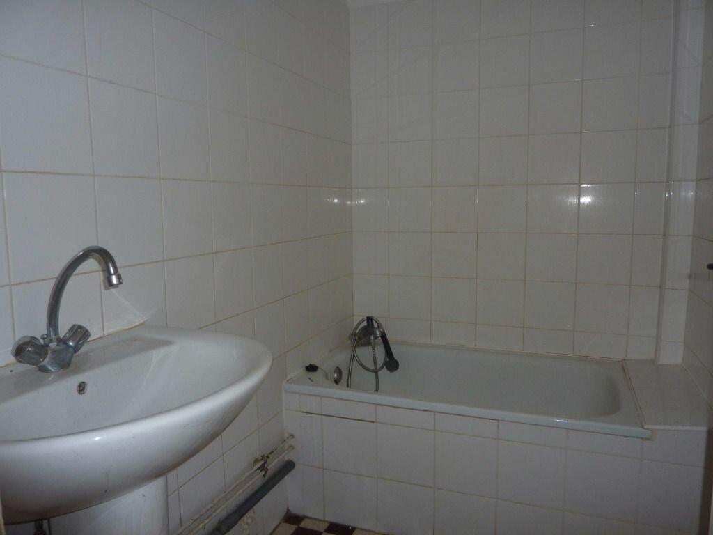 Achat Appartement 4 pièces à Pierre-Bénite - vignette-4