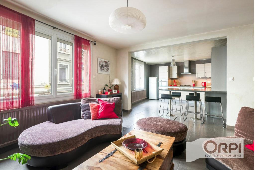 Achat Appartement 5 pièces à Pierre-Bénite - vignette-1