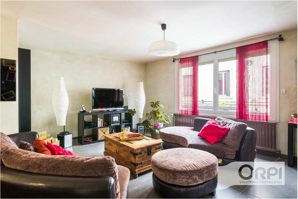 Achat Appartement 5 pièces à Pierre-Bénite - vignette-3