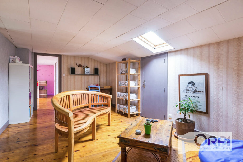Achat Appartement 5 pièces à Pierre-Bénite - vignette-6