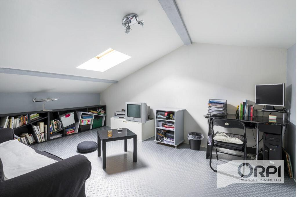 Achat Appartement 5 pièces à Pierre-Bénite - vignette-8