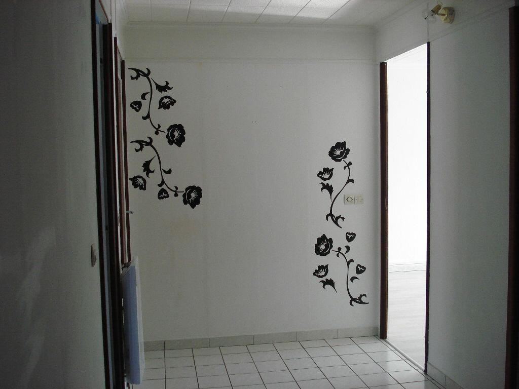 Achat Appartement 4 pièces à Caluire-et-Cuire - vignette-2