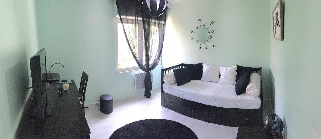 Achat Appartement 4 pièces à Caluire-et-Cuire - vignette-6