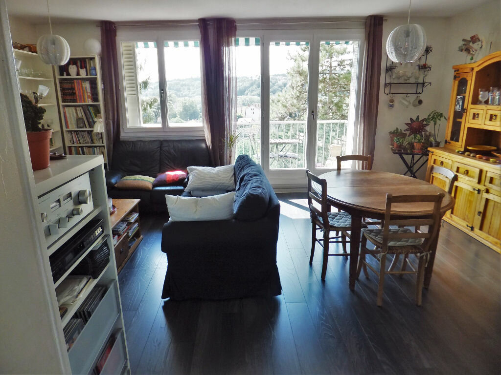 Achat Appartement 4 pièces à Caluire-et-Cuire - vignette-1