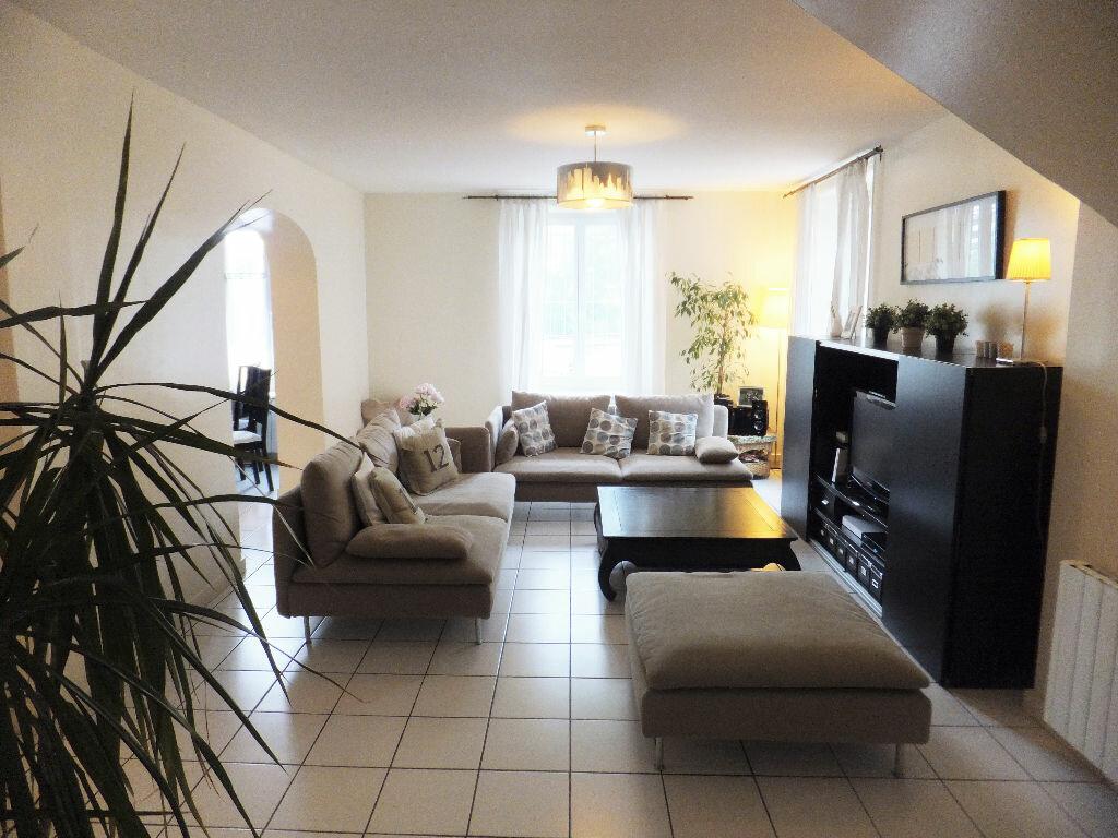 Achat Appartement 4 pièces à Collonges-au-Mont-d'Or - vignette-1