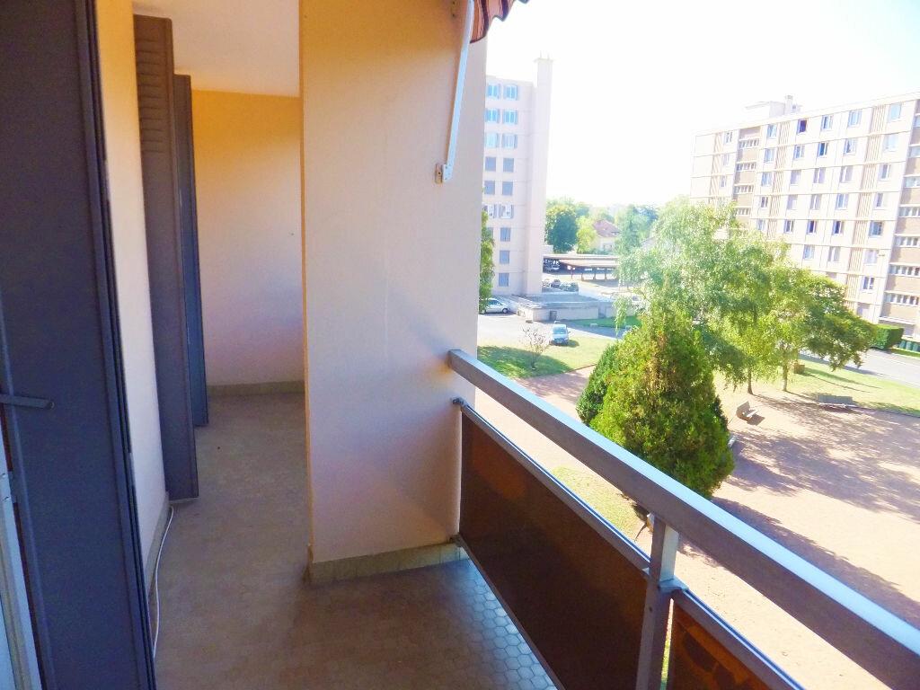 Achat Appartement 5 pièces à Caluire-et-Cuire - vignette-2