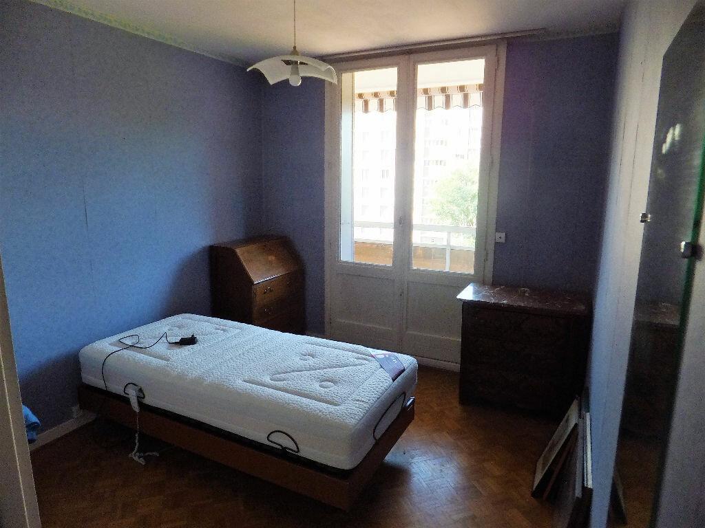 Achat Appartement 5 pièces à Caluire-et-Cuire - vignette-4