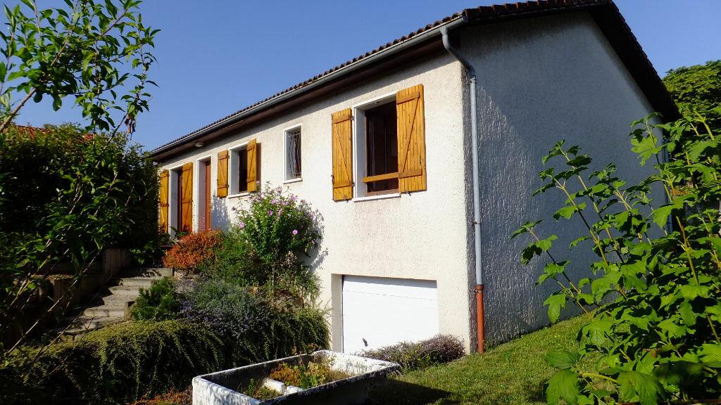 Achat Maison 4 pièces à Caluire-et-Cuire - vignette-1