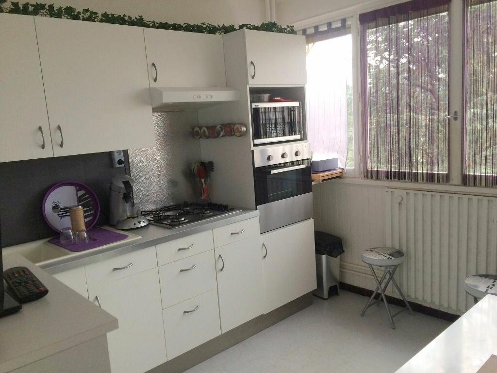 Achat Appartement 1 pièce à Sainte-Foy-lès-Lyon - vignette-1