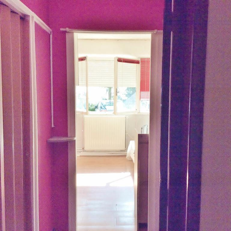 Achat Appartement 1 pièce à Sainte-Foy-lès-Lyon - vignette-4