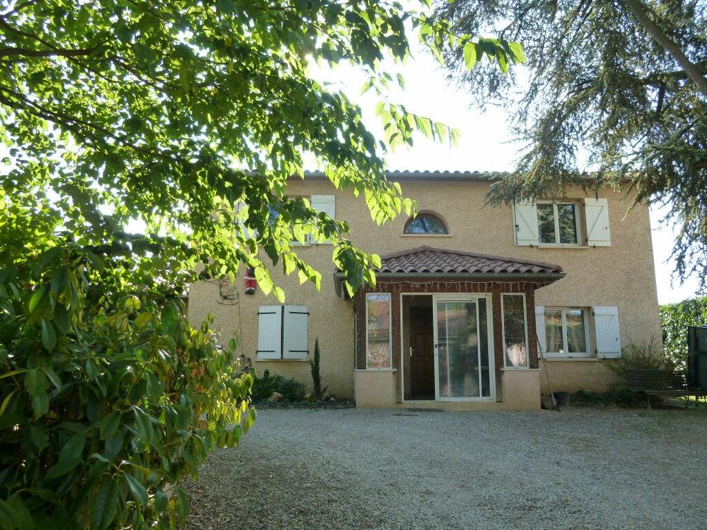 Achat Maison 8 pièces à Rillieux-la-Pape - vignette-1