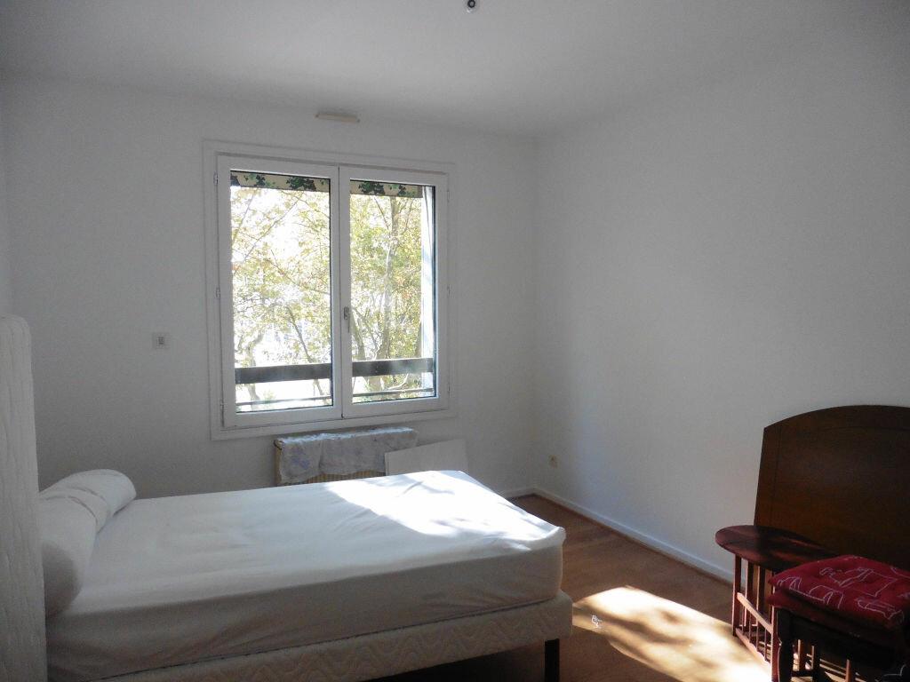 Achat Appartement 3 pièces à Villeurbanne - vignette-3