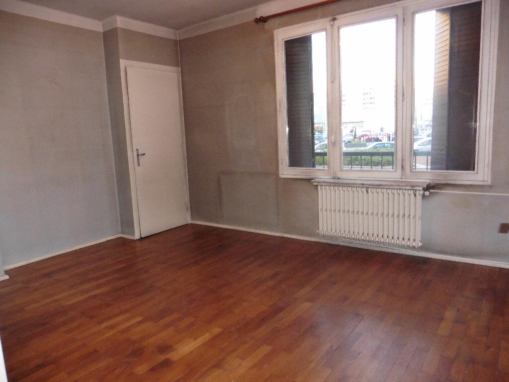 Achat Appartement 3 pièces à Villeurbanne - vignette-5