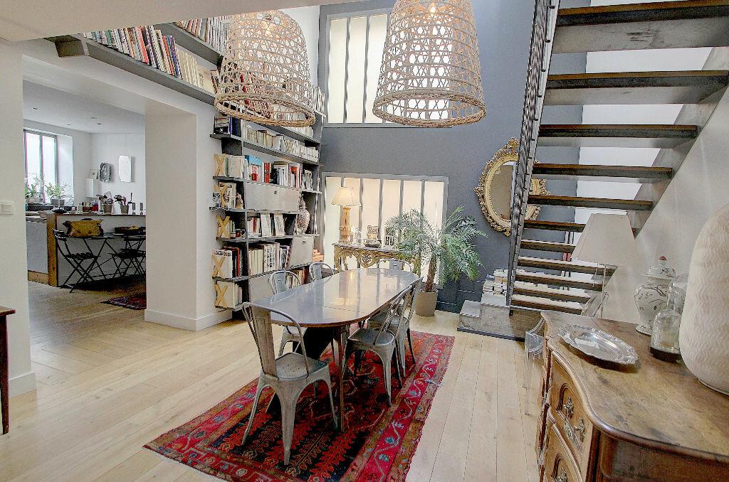 Achat Appartement 5 pièces à Lyon 4 - vignette-2