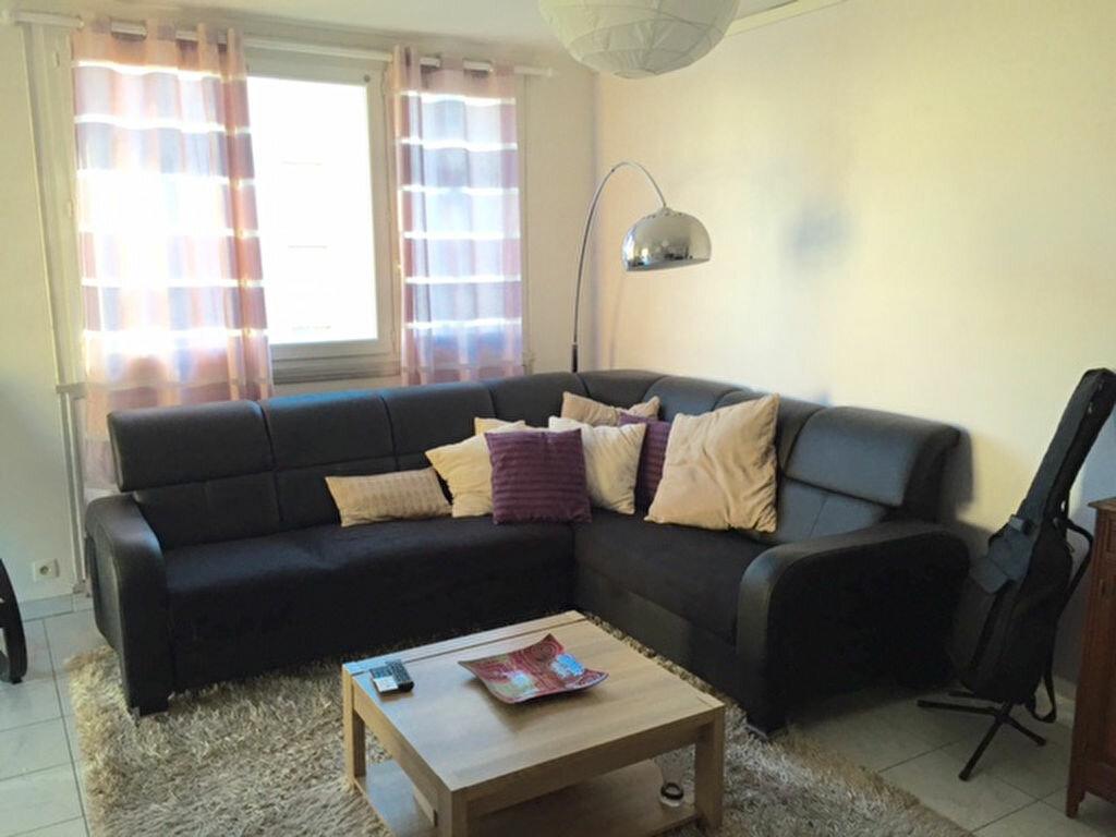 Achat Appartement 4 pièces à Caluire-et-Cuire - vignette-3