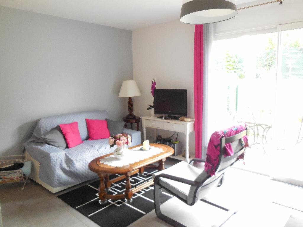 Achat Appartement 2 pièces à Le Taillan-Médoc - vignette-2