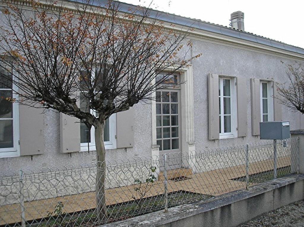 Location Maison 4 pièces à Saint-Médard-en-Jalles - vignette-1