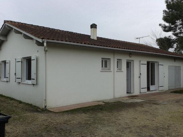 Location Maison 4 pièces à Saint-Aubin-de-Médoc - vignette-1