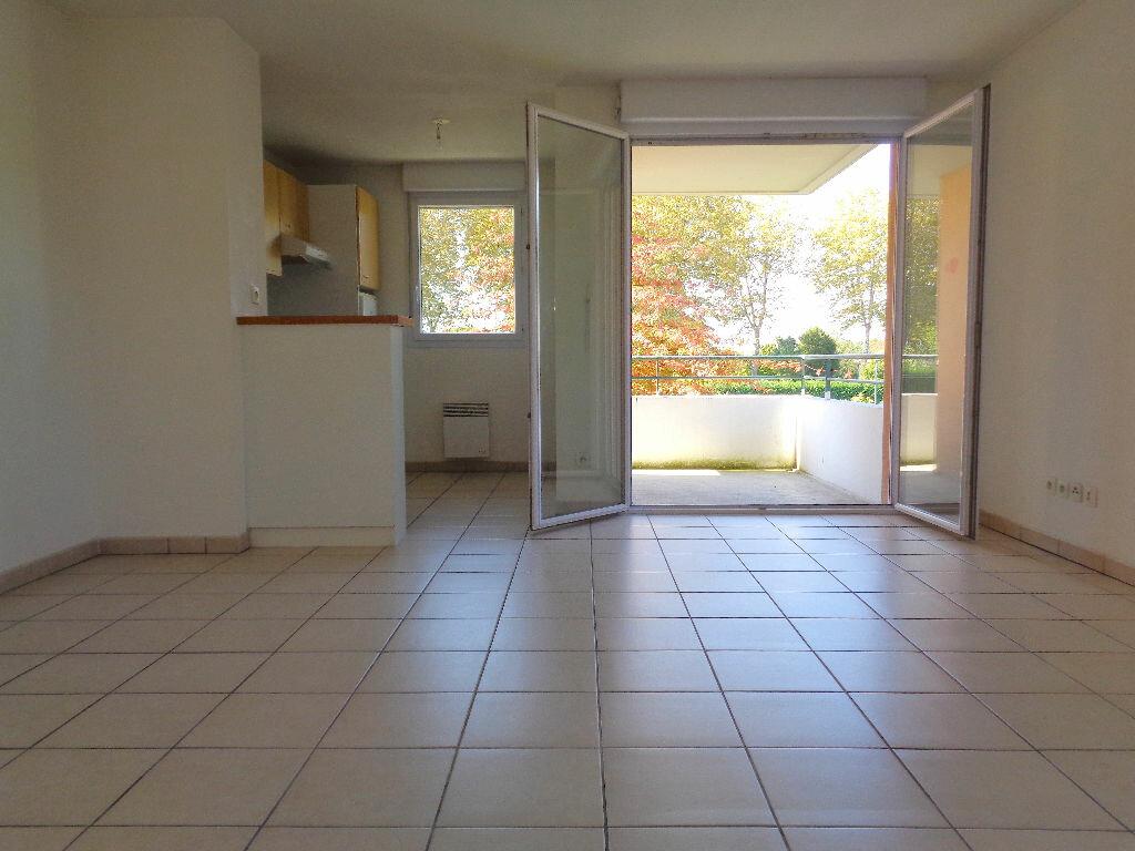 Achat Appartement 3 pièces à Castelnau-d'Estrétefonds - vignette-1