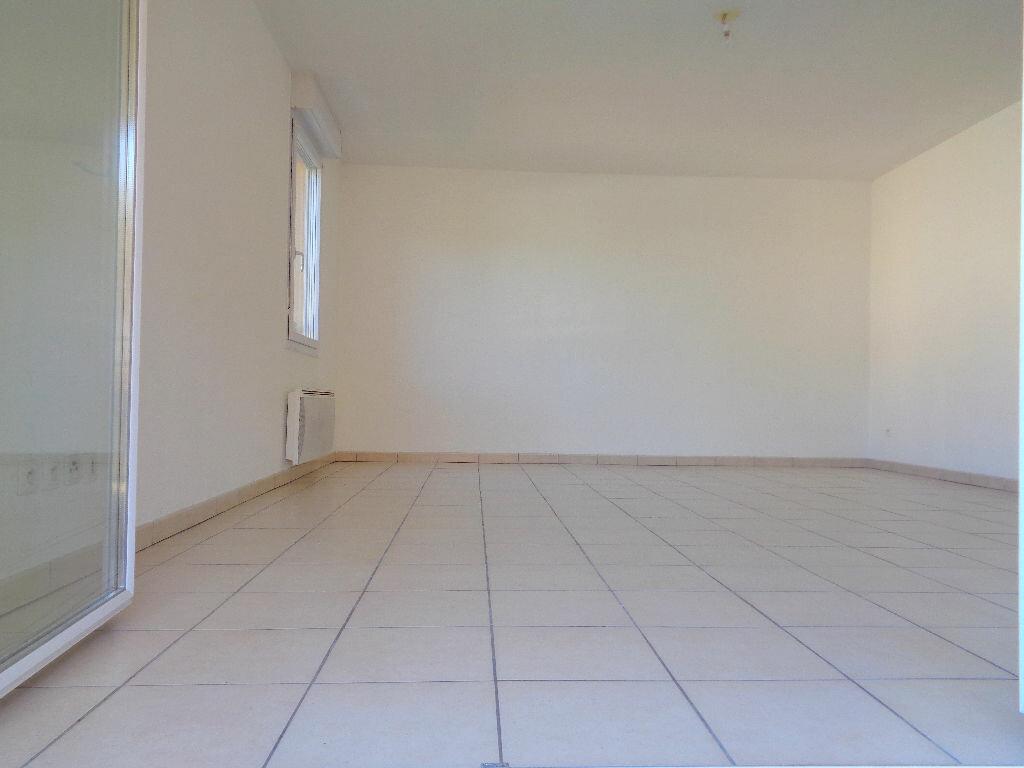 Achat Appartement 3 pièces à Castelnau-d'Estrétefonds - vignette-4