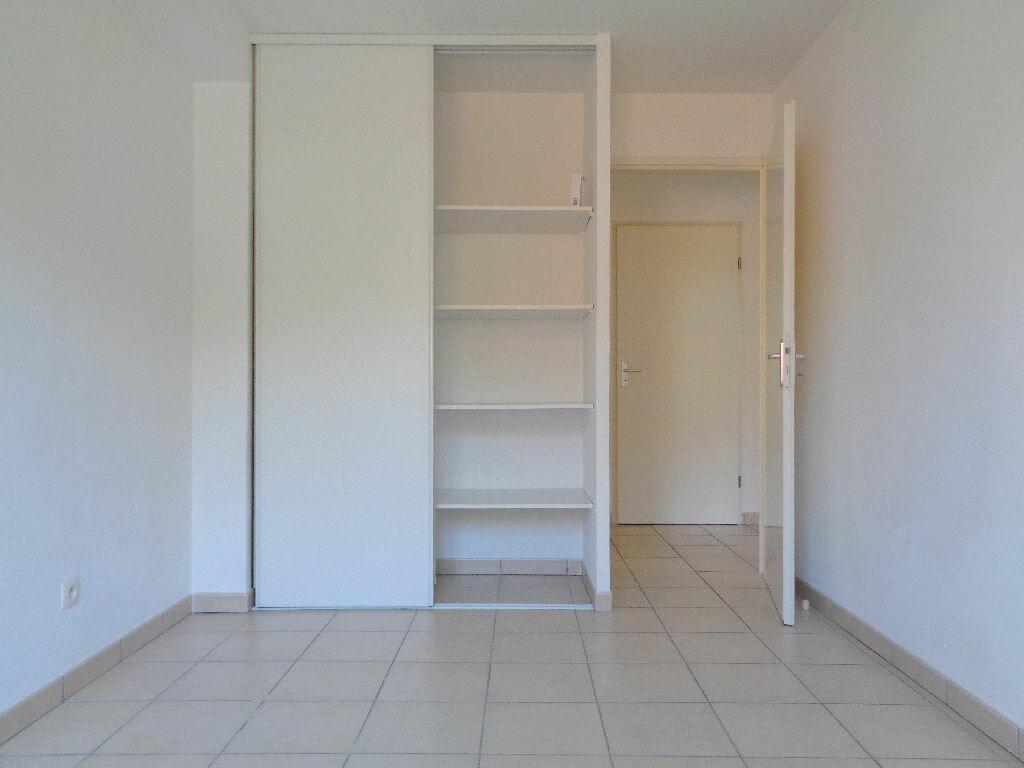 Achat Appartement 3 pièces à Castelnau-d'Estrétefonds - vignette-5