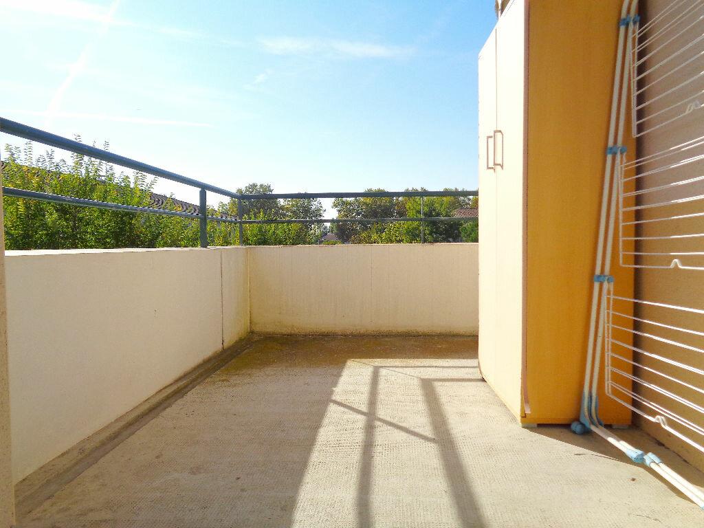 Achat Appartement 3 pièces à Castelnau-d'Estrétefonds - vignette-2