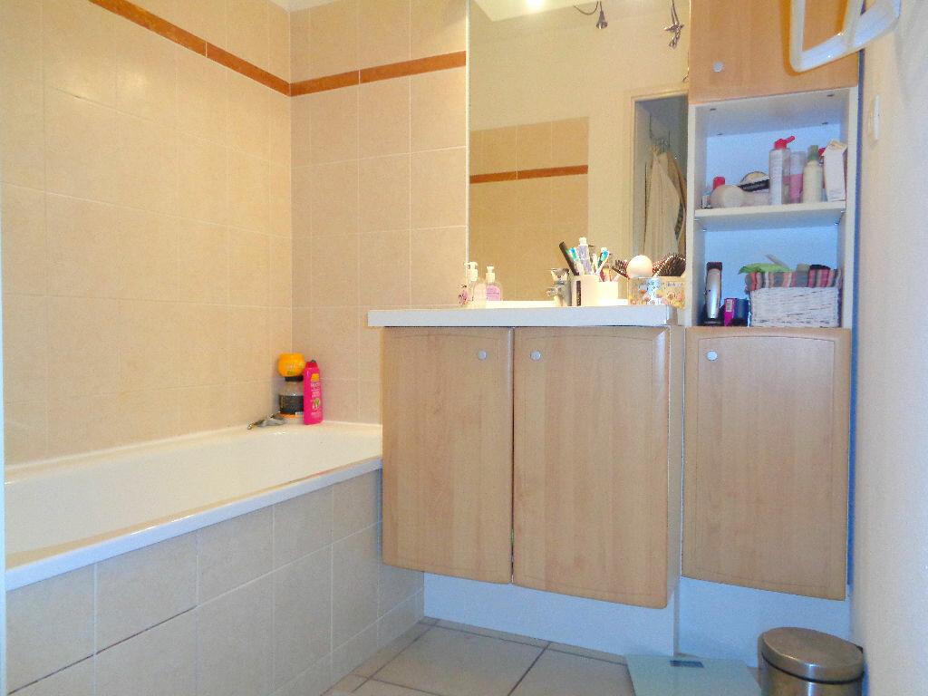 Achat Appartement 2 pièces à Castelnau-d'Estrétefonds - vignette-4