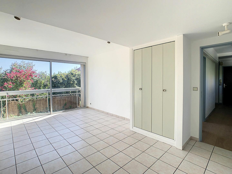 Location Appartement 3 pièces à Aurillac - vignette-2