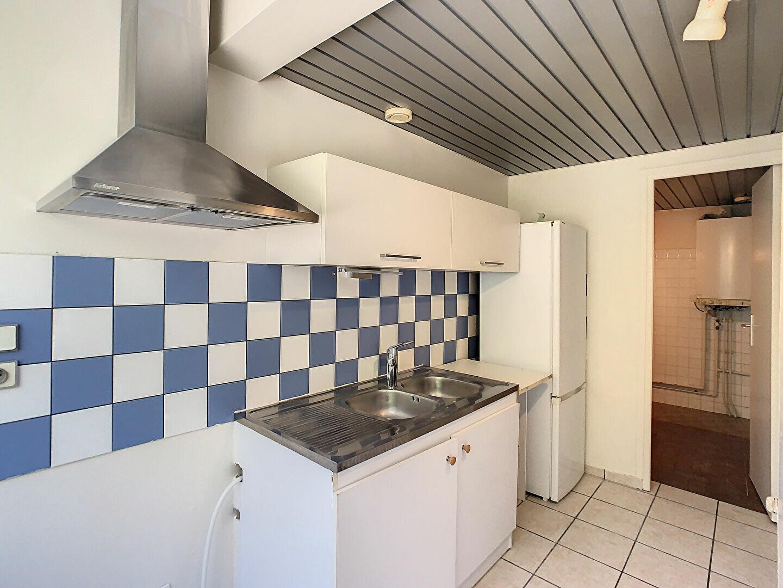 Location Appartement 3 pièces à Aurillac - vignette-8