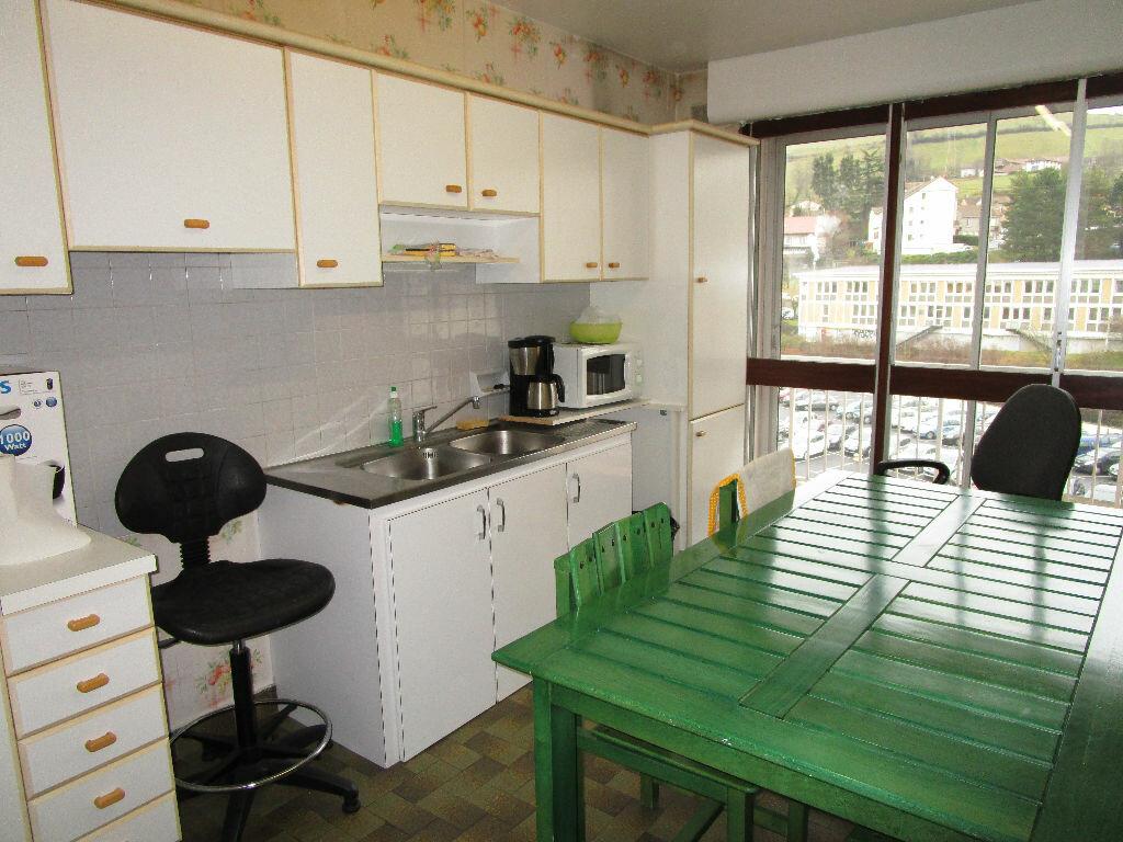 Achat Appartement 4 pièces à Aurillac - vignette-2