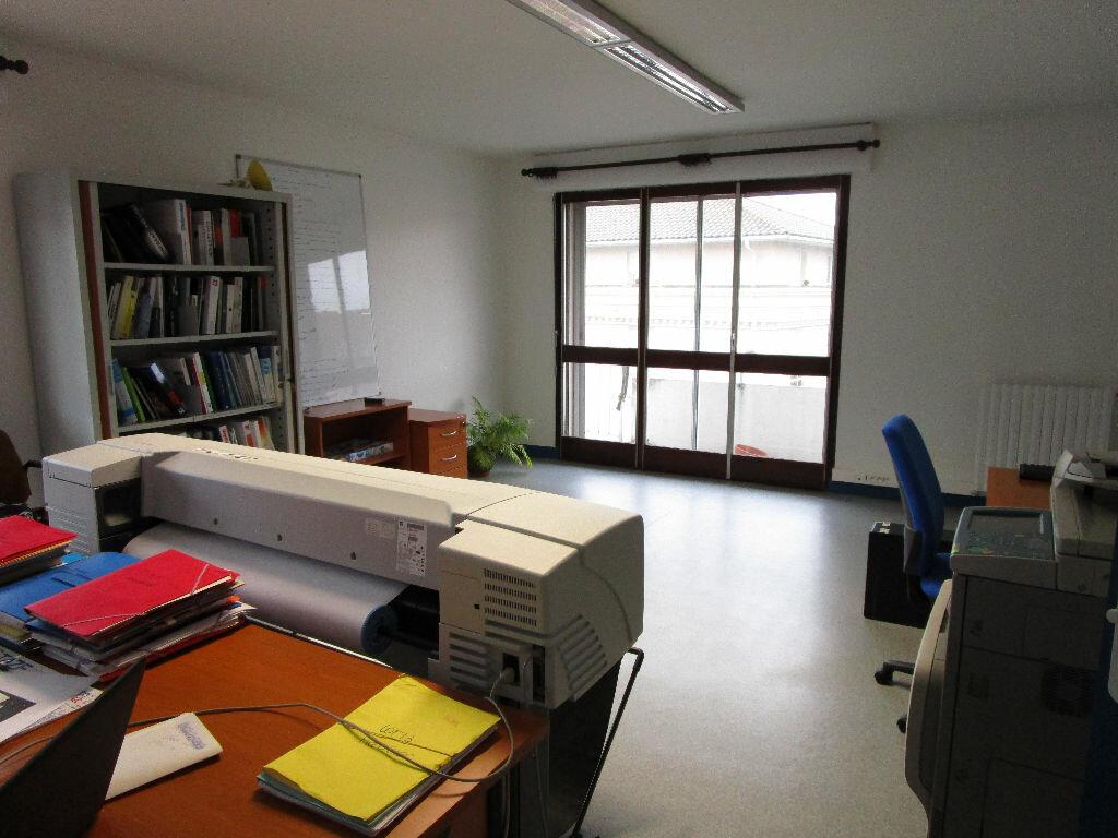 Achat Appartement 4 pièces à Aurillac - vignette-5