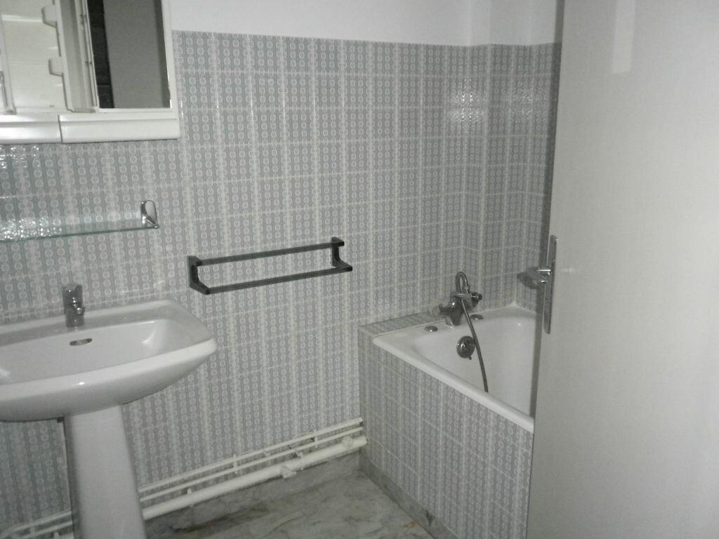 Location Appartement 2 pièces à Mauriac - vignette-4