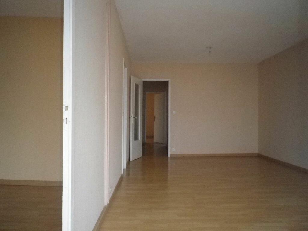 Location Appartement 4 pièces à Aurillac - vignette-1