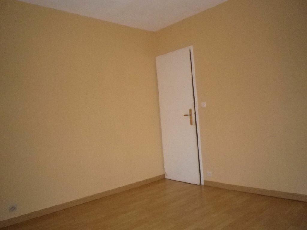 Location Appartement 4 pièces à Aurillac - vignette-7