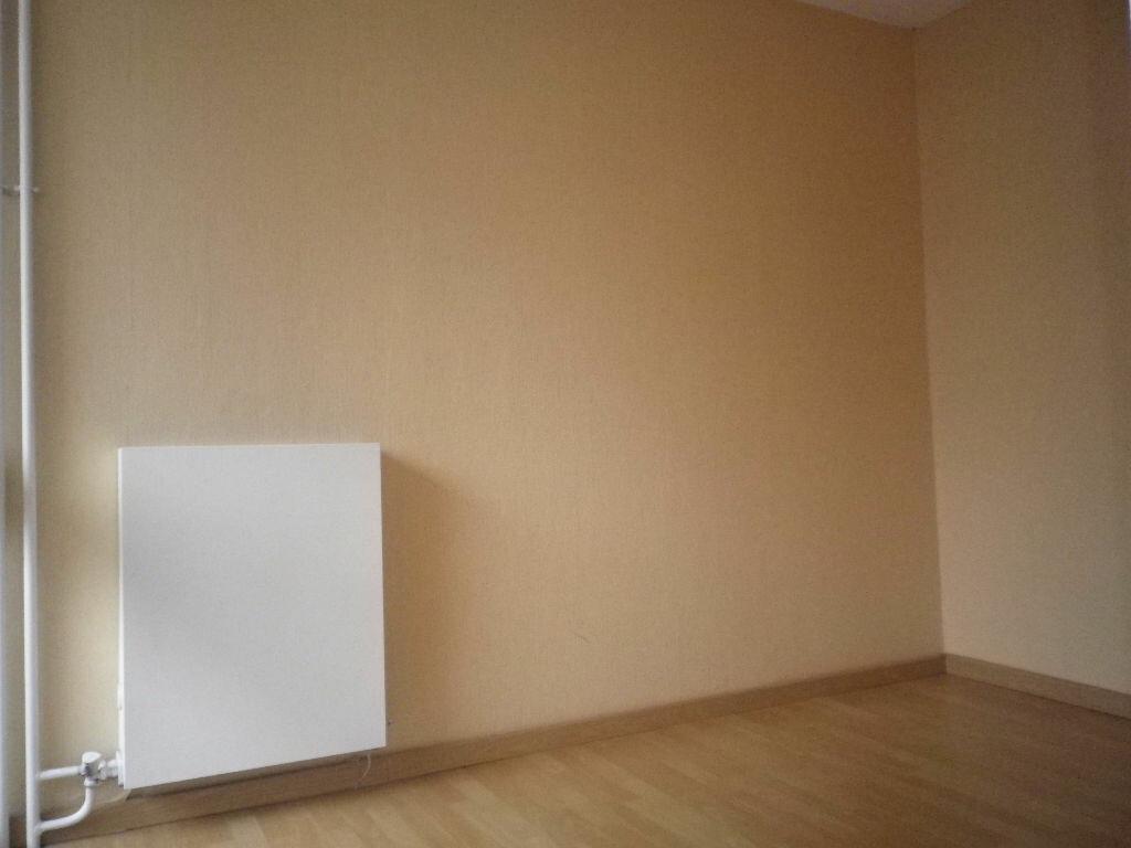 Location Appartement 4 pièces à Aurillac - vignette-8
