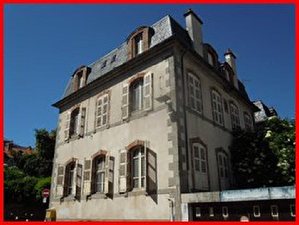 Achat Maison 11 pièces à Aurillac - vignette-1