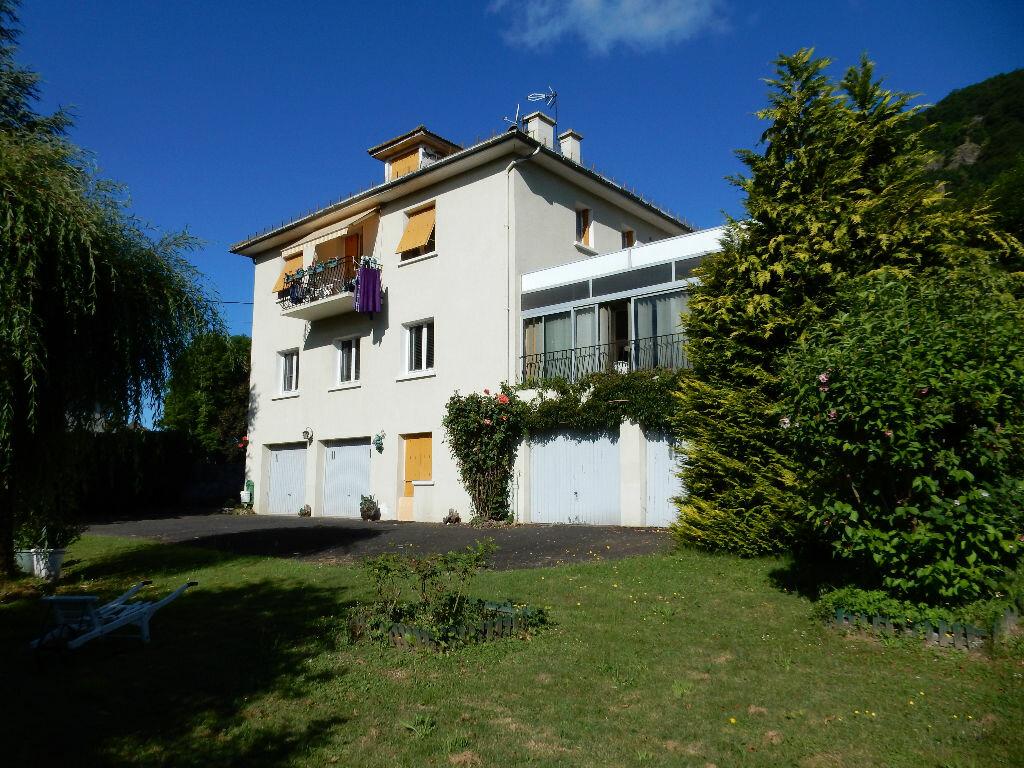 Achat Maison 7 pièces à Vic-sur-Cère - vignette-1