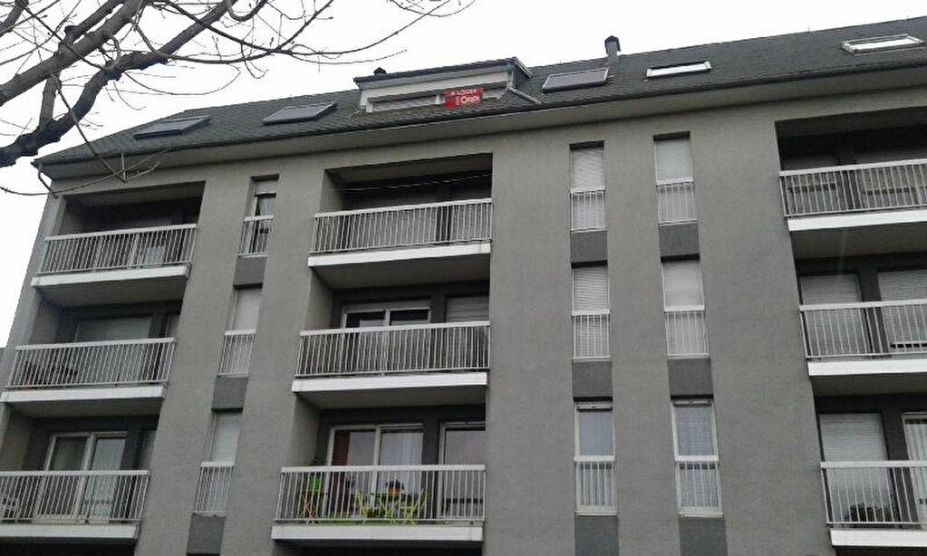 Location Appartement 3 pièces à Mauriac - vignette-1