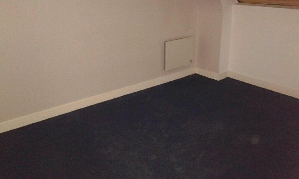 Location Appartement 3 pièces à Mauriac - vignette-4