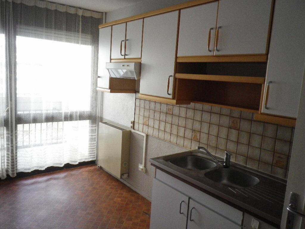 Location Appartement 3 pièces à Aurillac - vignette-1