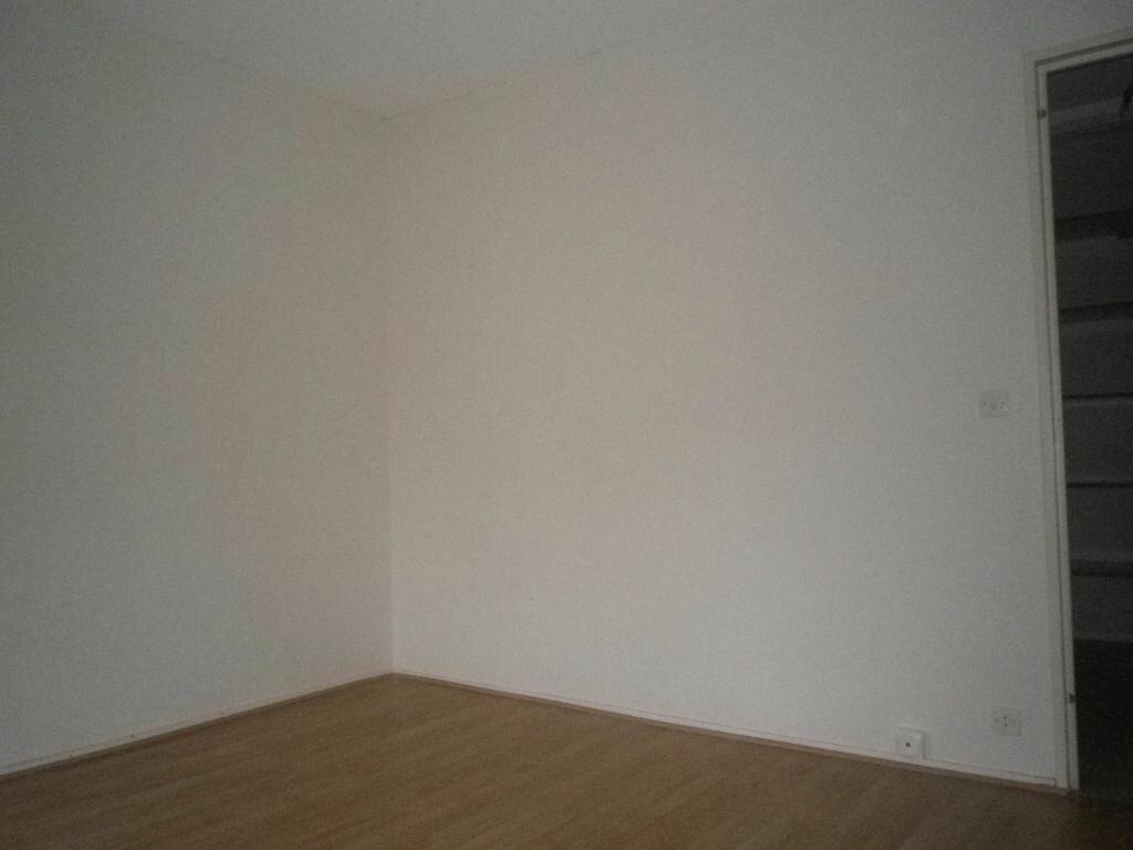 Location Appartement 3 pièces à Aurillac - vignette-5