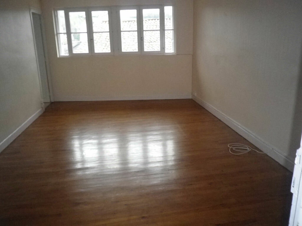 Location Appartement 4 pièces à Aurillac - vignette-4