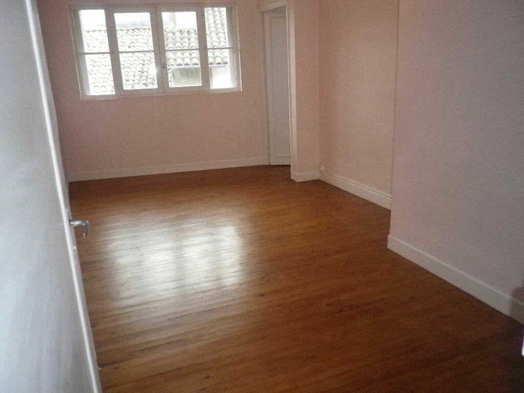 Location Appartement 4 pièces à Aurillac - vignette-5