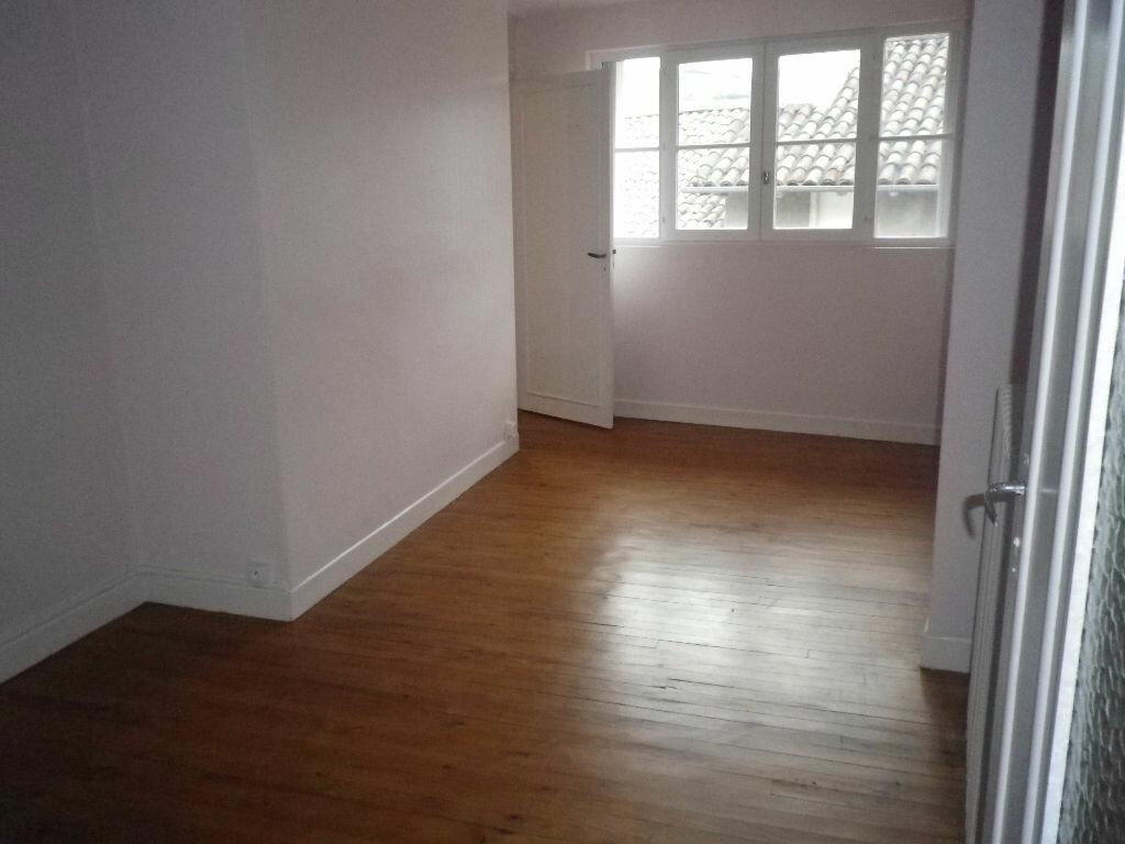 Location Appartement 4 pièces à Aurillac - vignette-6