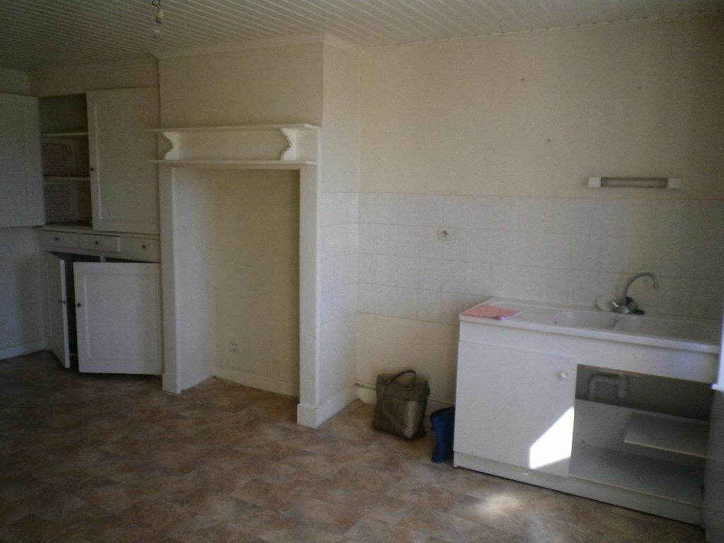 Location Appartement 3 pièces à Polminhac - vignette-1