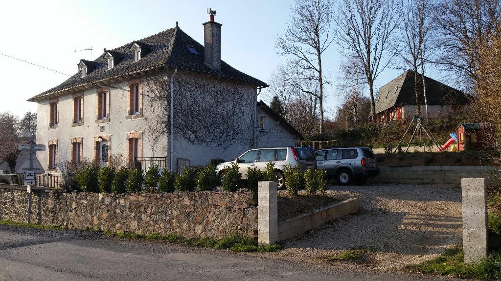 Achat Maison 6 pièces à Teissières-de-Cornet - vignette-1