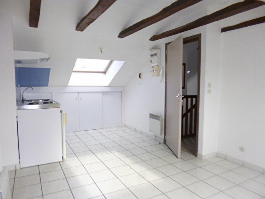 Location Appartement 2 pièces à Arpajon-sur-Cère - vignette-1