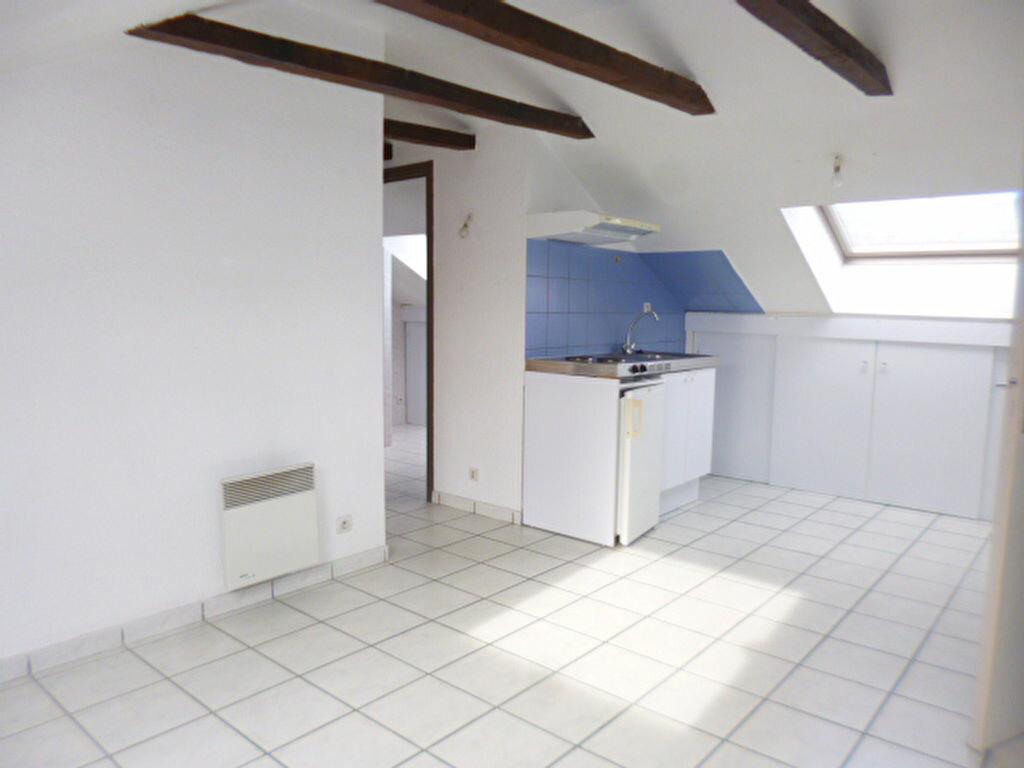 Location Appartement 2 pièces à Arpajon-sur-Cère - vignette-2