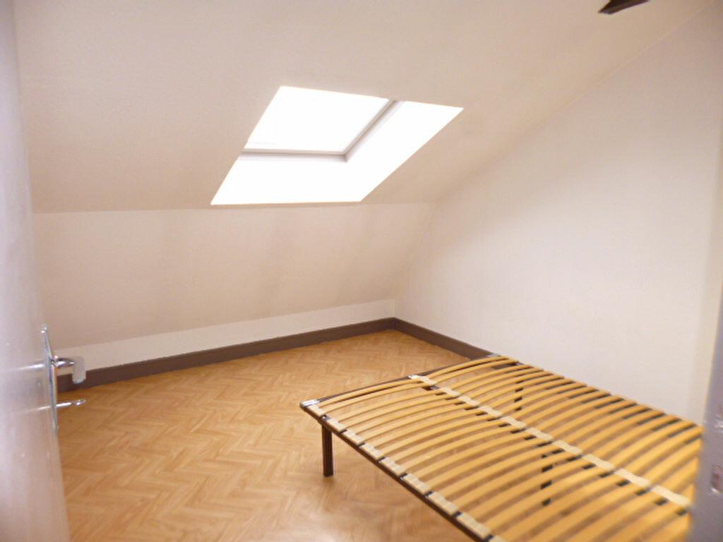Location Appartement 2 pièces à Arpajon-sur-Cère - vignette-4